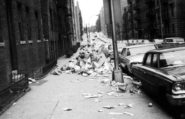 Anderson_Ave_garbage_strike_1968-1024x662